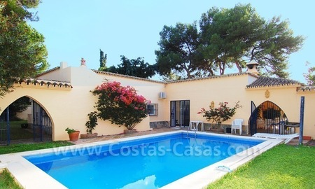 Beachside villa for sale, close to the beach, in Marbella 5