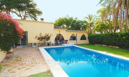 Beachside villa for sale, close to the beach, in Marbella 6