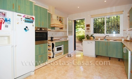 Beachside villa for sale, close to the beach, in Marbella 18