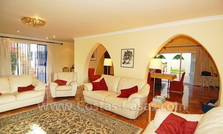 Beachside villa for sale, close to the beach, in Marbella 12