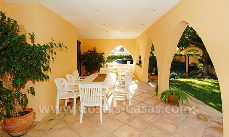 Beachside villa for sale, close to the beach, in Marbella 8