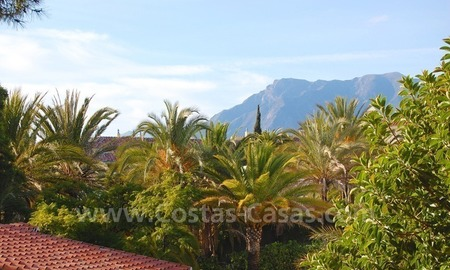 Beachside villa for sale, close to the beach, in Marbella 25