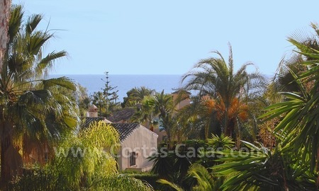 Beachside villa for sale, close to the beach, in Marbella 26