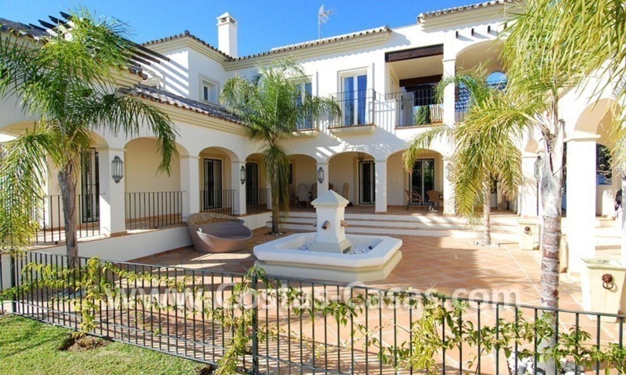 Luxury beachside villa for sale in Marbella 4