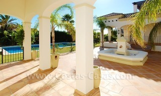 Luxury beachside villa for sale in Marbella 6