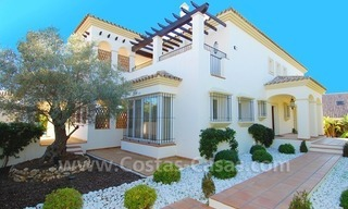 Luxury beachside villa for sale in Marbella 10