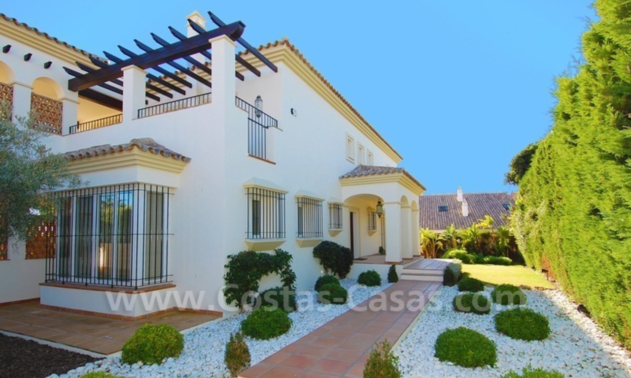 Luxury beachside villa for sale in Marbella 11