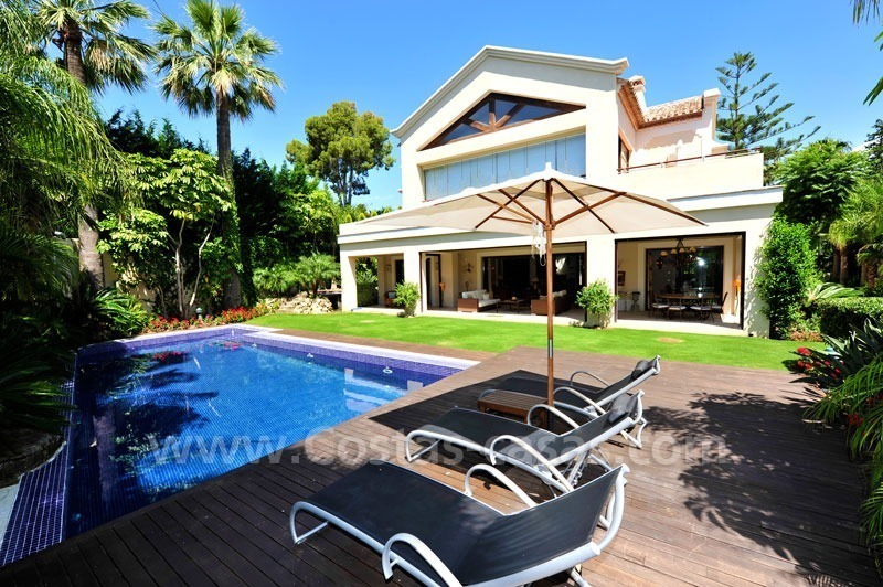 Exclusive villa for sale, beachside Golden Mile in Marbella