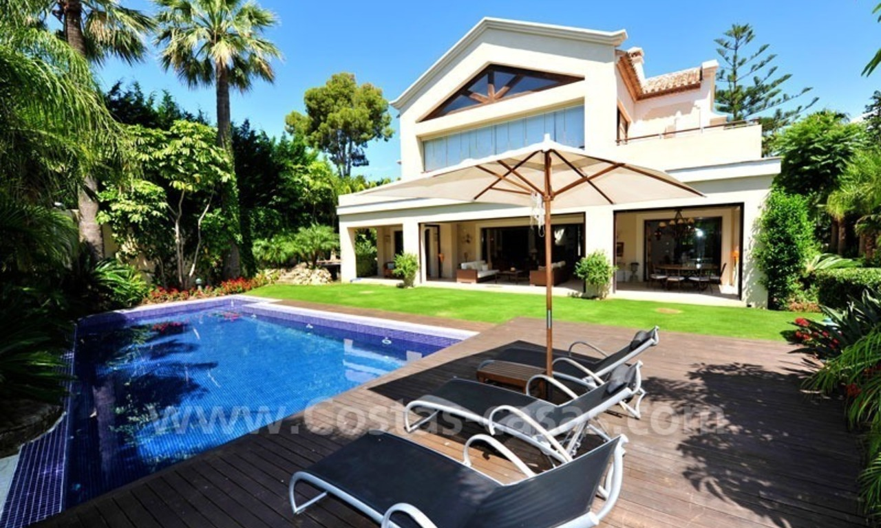 Exclusive villa for sale, beachside Golden Mile in Marbella 0