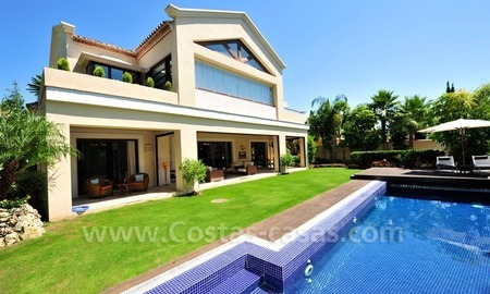 Exclusive villa for sale, beachside Golden Mile in Marbella 1