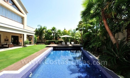 Exclusive villa for sale, beachside Golden Mile in Marbella 2