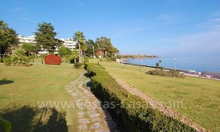 Beachfront apartments and penthouse for sale in a front line beach complex on the New Golden Mile, Marbella - Estepona 21
