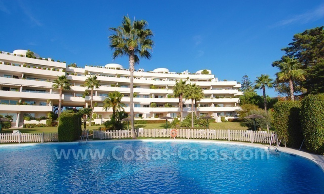 Beachfront apartments and penthouse for sale in a front line beach complex on the New Golden Mile, Marbella - Estepona 24