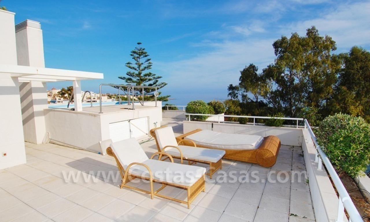Beachfront apartments and penthouse for sale in a front line beach complex on the New Golden Mile, Marbella - Estepona 17