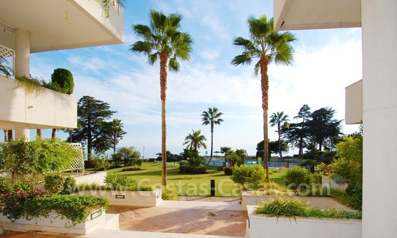 Beachfront apartments and penthouse for sale in a front line beach complex on the New Golden Mile, Marbella - Estepona 26