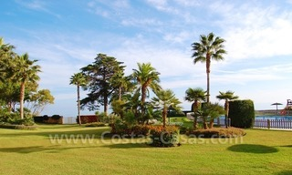 Beachfront apartments and penthouse for sale in a front line beach complex on the New Golden Mile, Marbella - Estepona 27