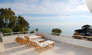 Beachfront apartments and penthouse for sale in a front line beach complex on the New Golden Mile, Marbella - Estepona 19