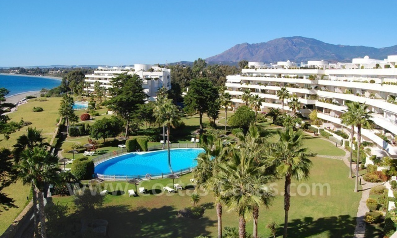 Beachfront apartments and penthouse for sale in a front line beach complex on the New Golden Mile, Marbella - Estepona 2