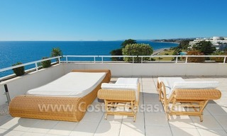 Beachfront apartments and penthouse for sale in a front line beach complex on the New Golden Mile, Marbella - Estepona 7