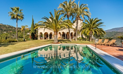 Great classic style villa for sale in El Madroñal, Benahavis - Marbella 22016