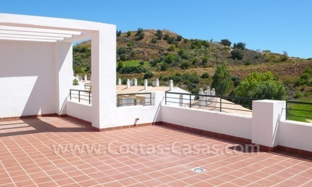 Bargain frontline golf penthouses and apartments for sale on Golf resort in Costa del Sol 3