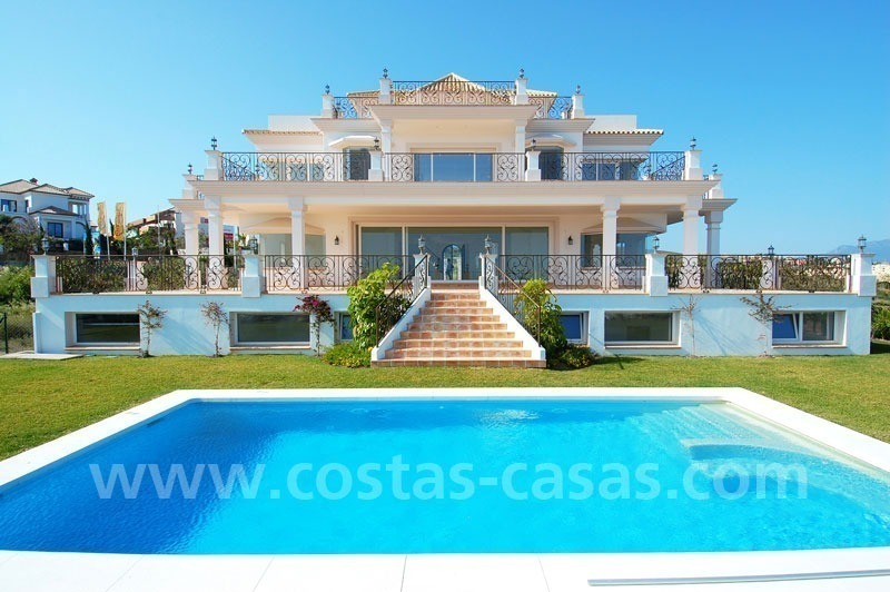 Spacious luxury villa for sale, golf resort, Benahavis – Marbella – Estepona on the Costa del Sol.