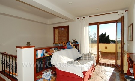 Beachside villa for sale, close to the beach in Marbella east 20