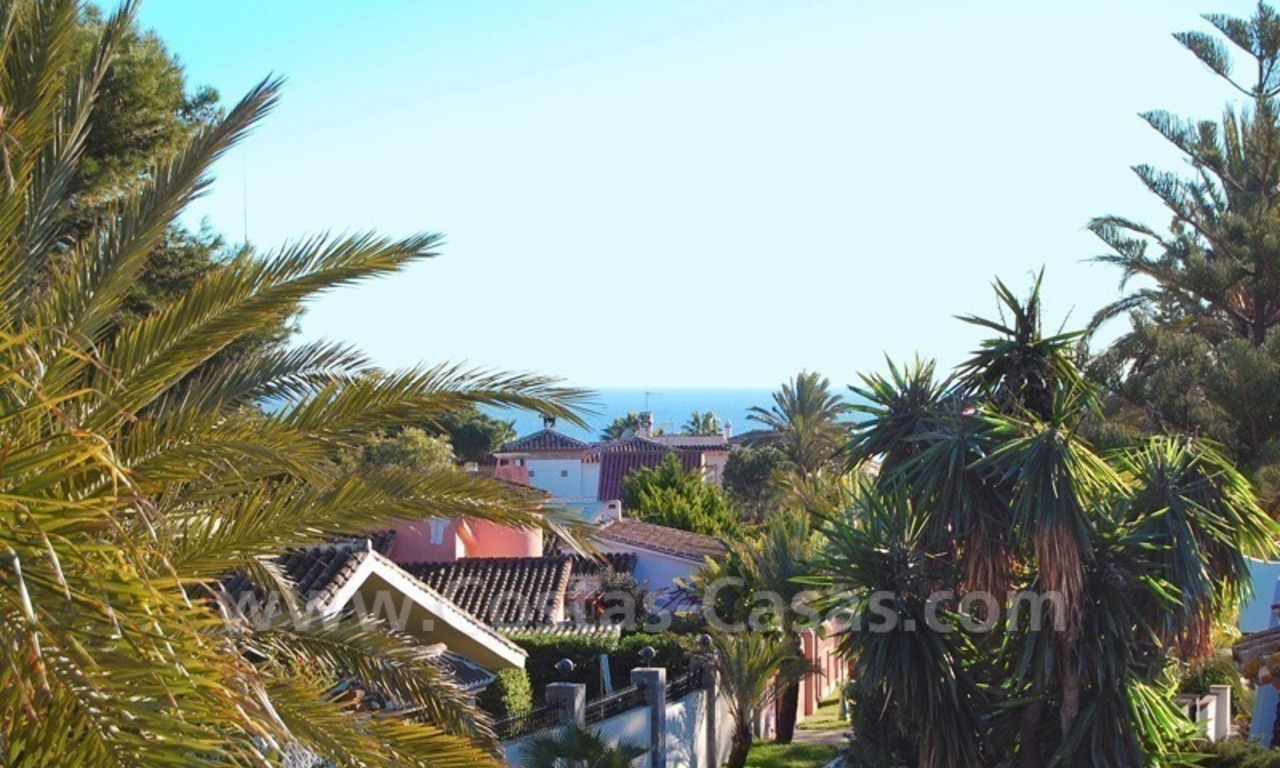 Beachside villa for sale, close to the beach in Marbella east 8