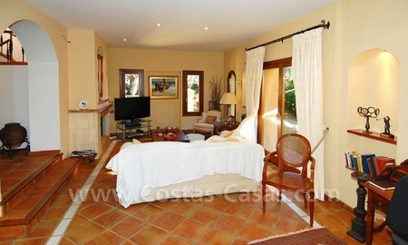 Beachside villa for sale, close to the beach in Marbella east 11