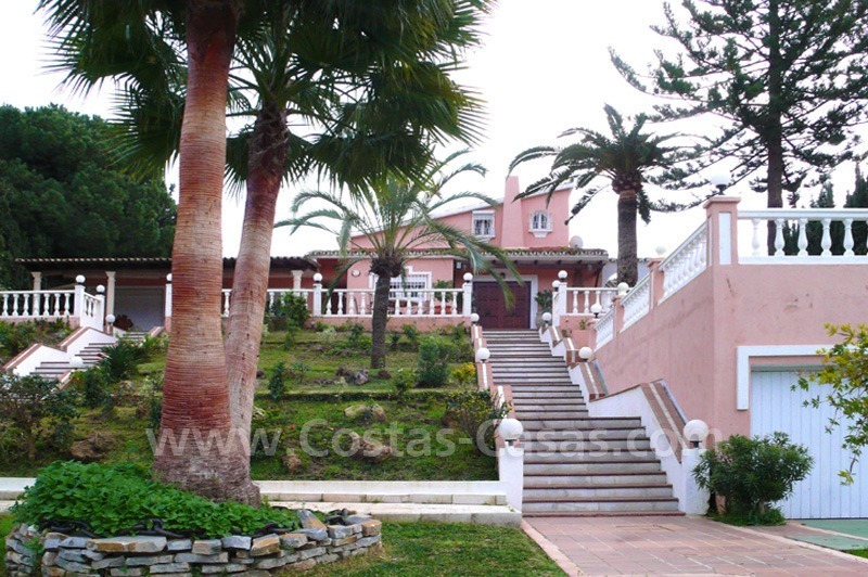 Huge beachside villa with guesthouses for sale close to the beach in Eastern Marbella