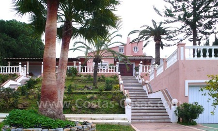 Huge beachside villa with guesthouses for sale close to the beach in Eastern Marbella 0
