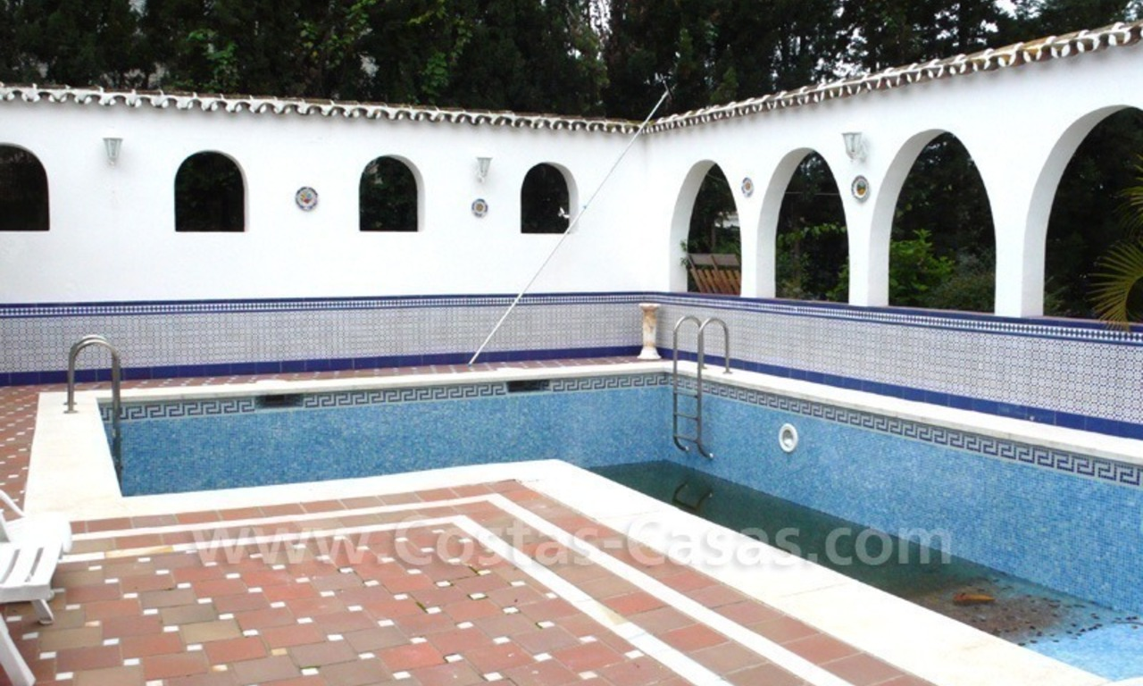Huge beachside villa with guesthouses for sale close to the beach in Eastern Marbella 13