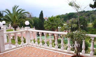 Huge beachside villa with guesthouses for sale close to the beach in Eastern Marbella 8