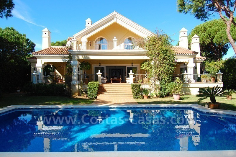 Spacious luxury villa for sale in Marbella east 0
