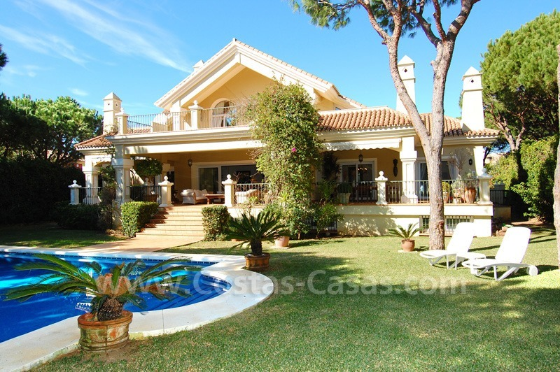 Spacious luxury villa for sale in Marbella east 1