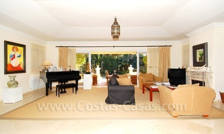 Spacious luxury villa for sale in Marbella east 12