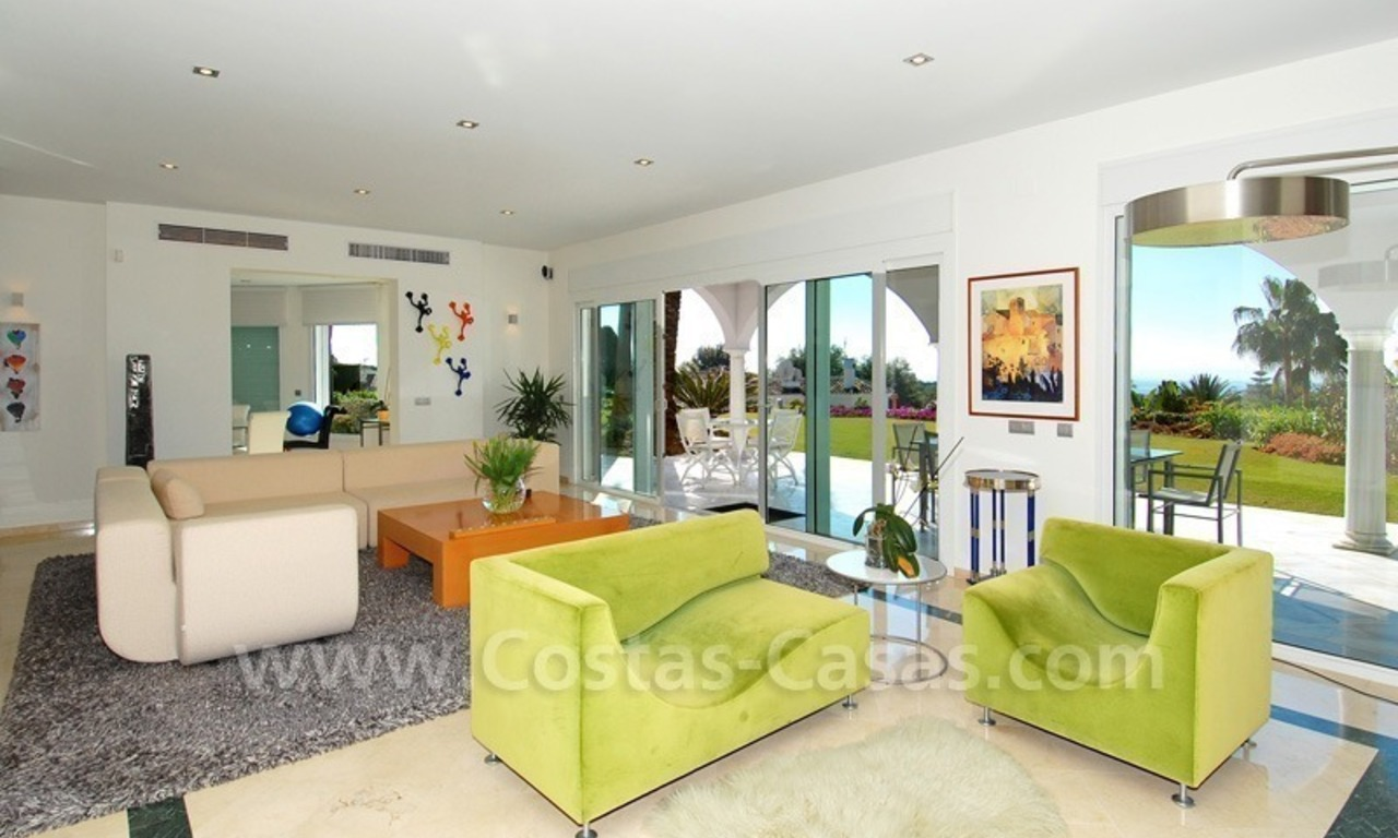 Breathtaking immaculate contemporary style villa for sale in Marbella 13
