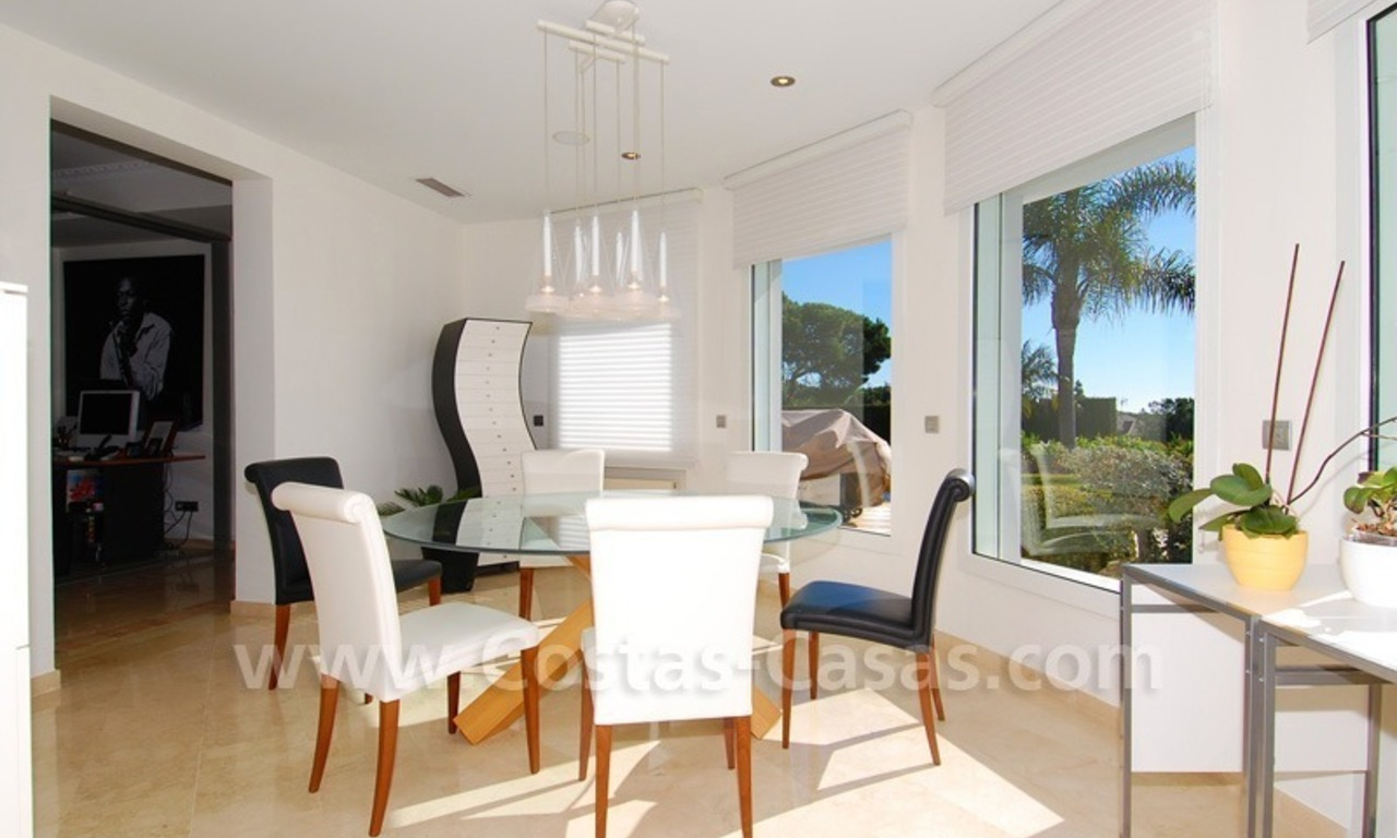 Breathtaking immaculate contemporary style villa for sale in Marbella 18