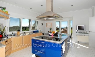 Breathtaking immaculate contemporary style villa for sale in Marbella 20