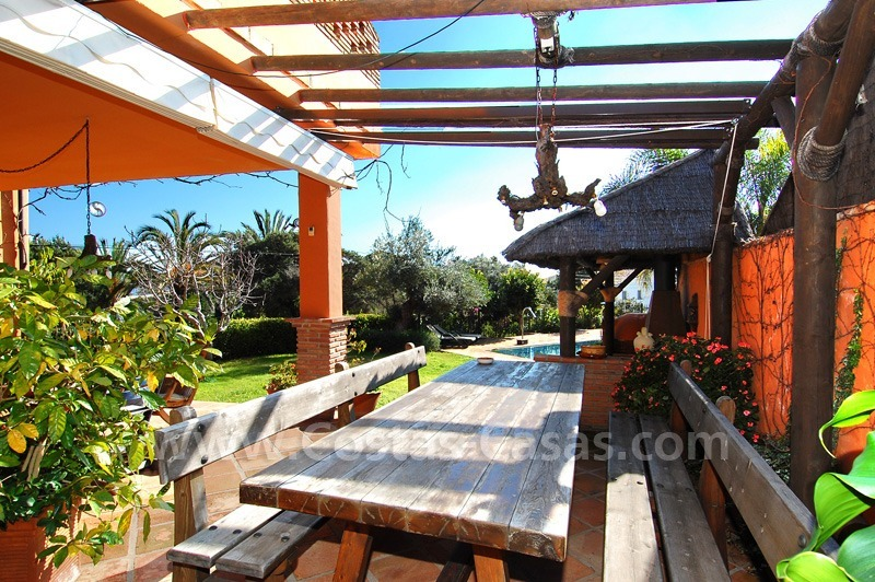 Charming beachside detached villa for sale in Eastern Marbella 3