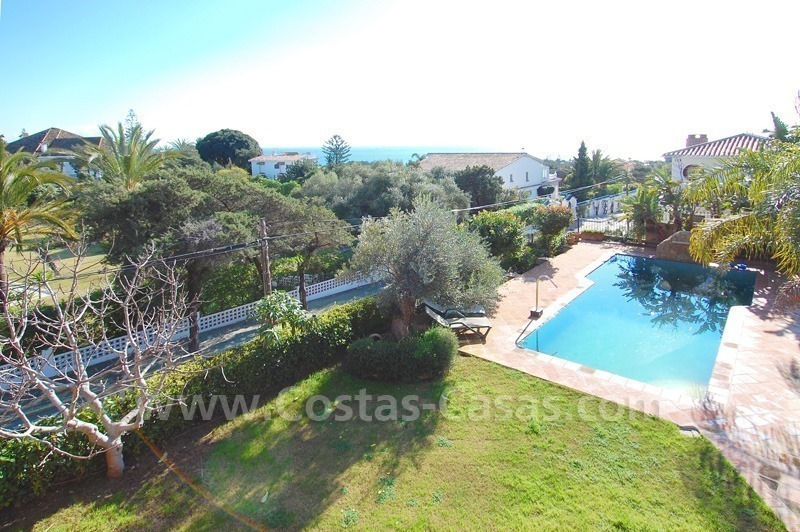 Charming beachside detached villa for sale in Eastern Marbella 20