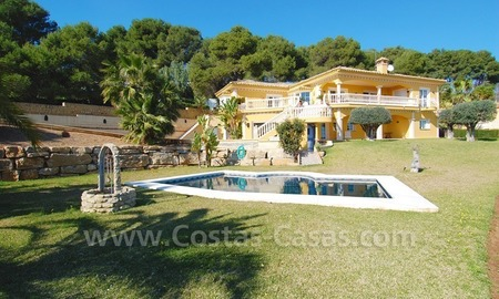Stunning luxury villa to buy in Marbella East 0
