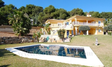 Stunning luxury villa to buy in Marbella East 1