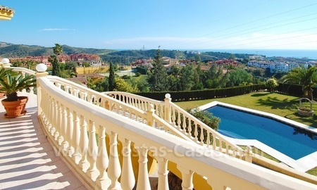 Stunning luxury villa to buy in Marbella East 5