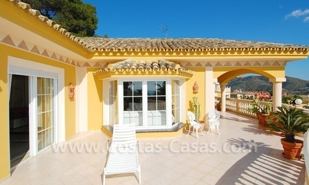 Stunning luxury villa to buy in Marbella East 7
