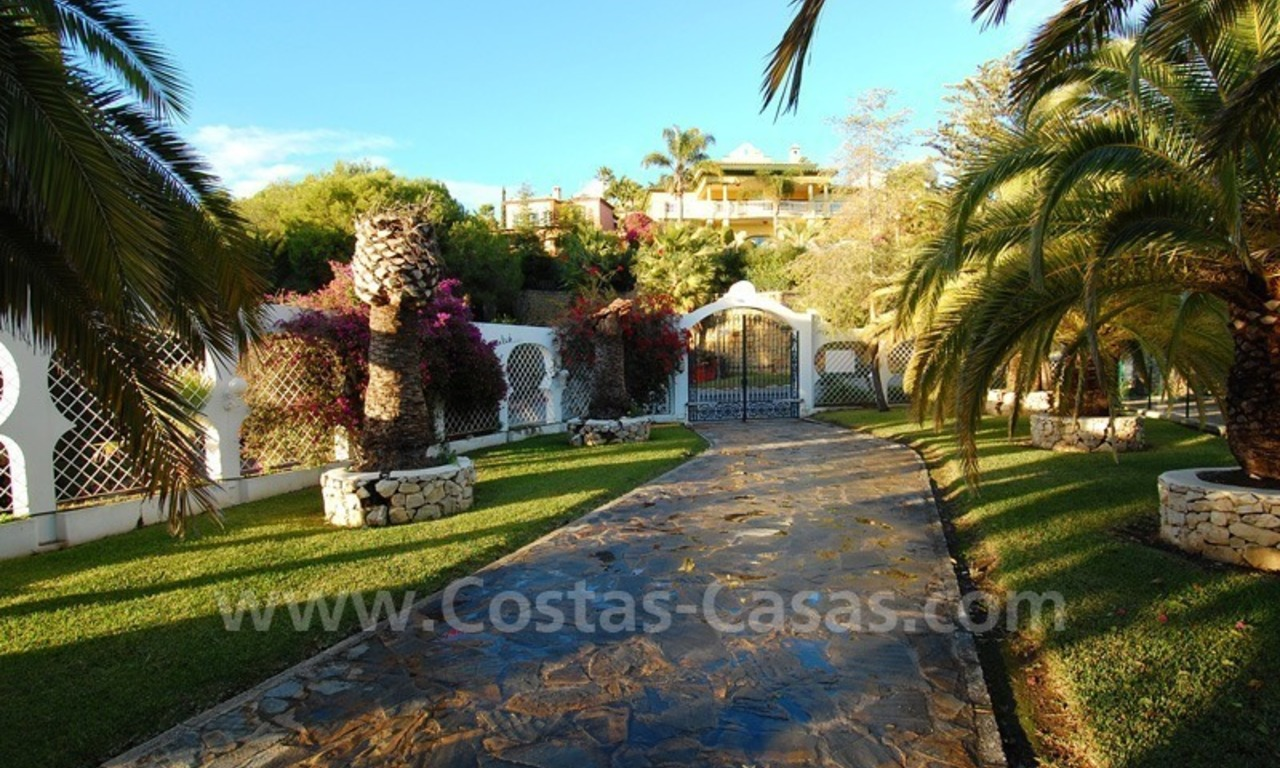 Huge Arabic Andalusian style villa for sale, Marbella - Estepona 8