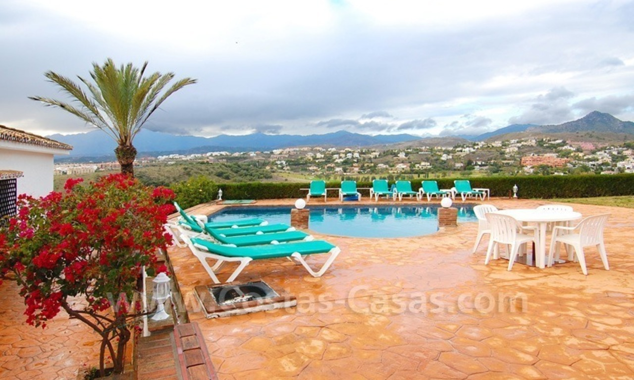 Classical Spanish style villa to buy in the area of Marbella – Estepona. 4