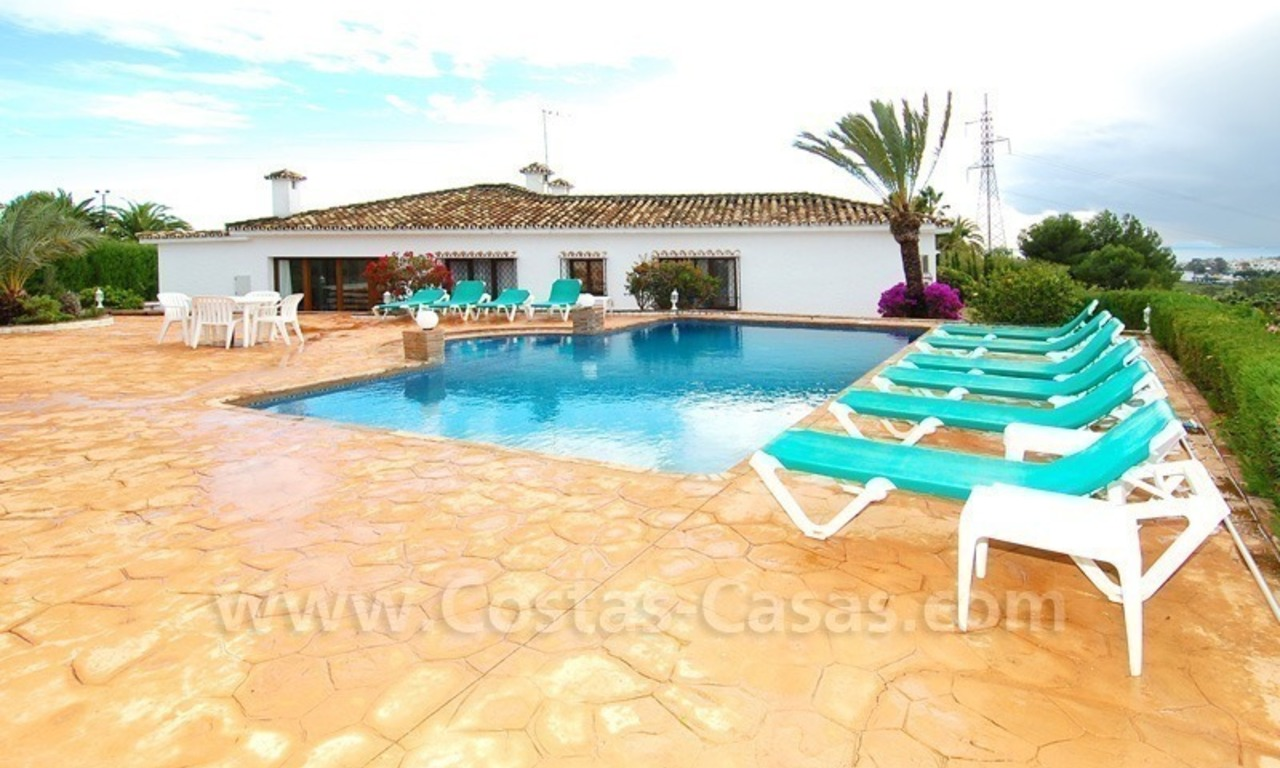 Classical Spanish style villa to buy in the area of Marbella – Estepona. 0