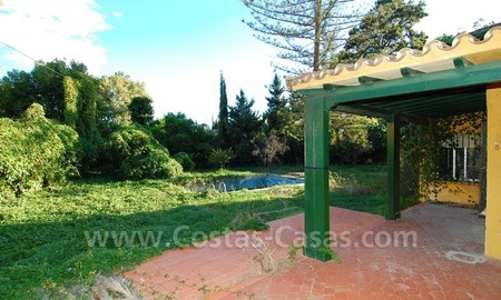 Bargain plot with detached villa to renovated for sale near the beach in San Pedro – Marbella 0