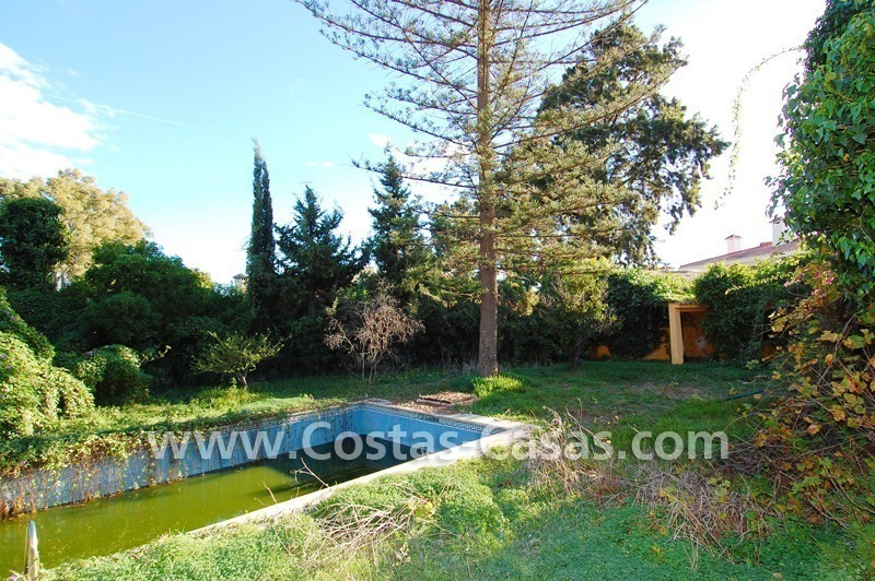 Bargain plot with detached villa to renovated for sale near the beach in San Pedro – Marbella 1